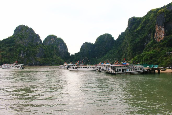 Top experiences traveling Vietnam - visit Ha Long Bay