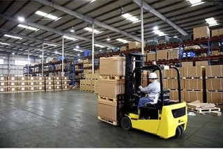 Услуги хранения товара заказчика на собственных складах