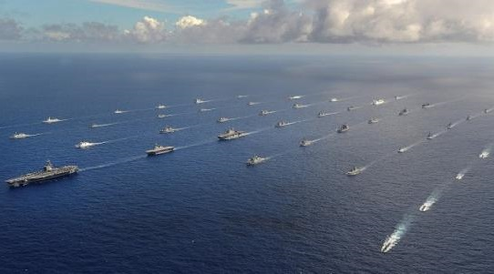 More than 40 ships and submarines representing 15 nations in formation during the RIMPAC 2014 exercise in this US Navy photo taken July 25, 2014.  REUTERS/U.S. Navy/Mass Communication Specialist 1st Class Shannon E. Renfroe/Handout