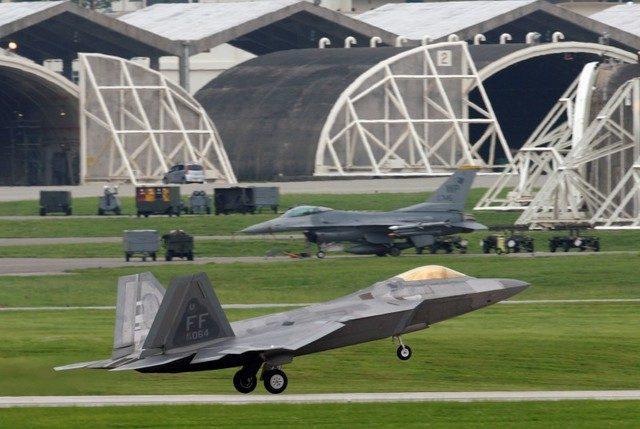 A US Air Force F-22 Raptor jet takes off at Kadena USAF Base on the Japanese island of Okinawa on June 15, 2009.  Reuters / Yuriko Nakao