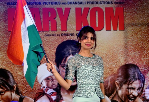 Indian Bollywood film actress Priyanka Chopra poses during the music launch of the upcoming Indian biographical sports drama Hindi film 'MARY KOM' directed by Omung Kumar and produced by Sanjay Leela Bhansali in Mumbai on August 13, 2014.  AFP PHOTO / AFP PHOTO / STR