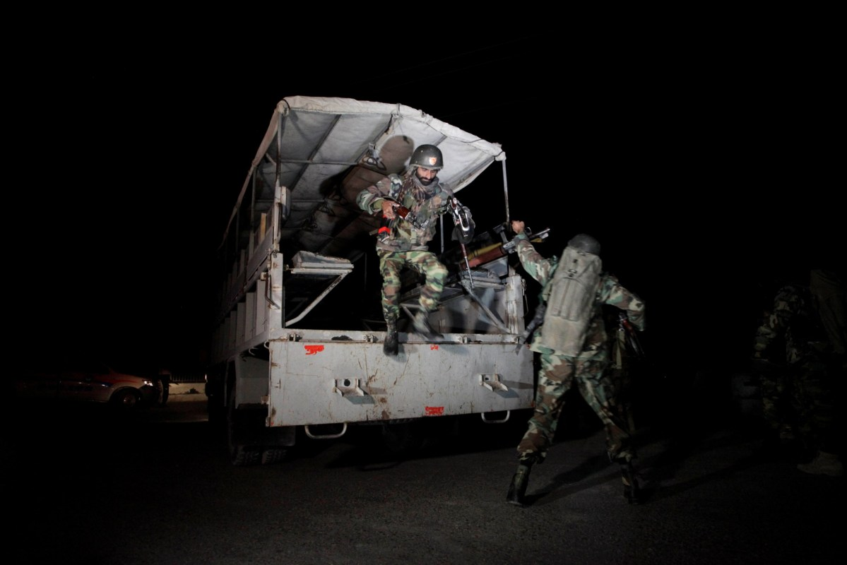 Pakistani troops deploy after the attack on the police training academy in the southwestern city of Quetta. Photo: Reuters/Naseer Ahmed