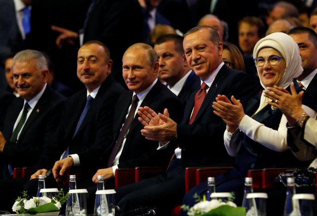 Russian President Vladimir Putin (center) with his counterparts Recep Tayyip Erdogan of Turkey, Ilham Aliyev of Azerbaijan (second L) and Turkish Prime Minister Binali Yildirim (left) ay the 23rd World Energy Congress in Istanbul. Photo: Reuters/Murad Sezer