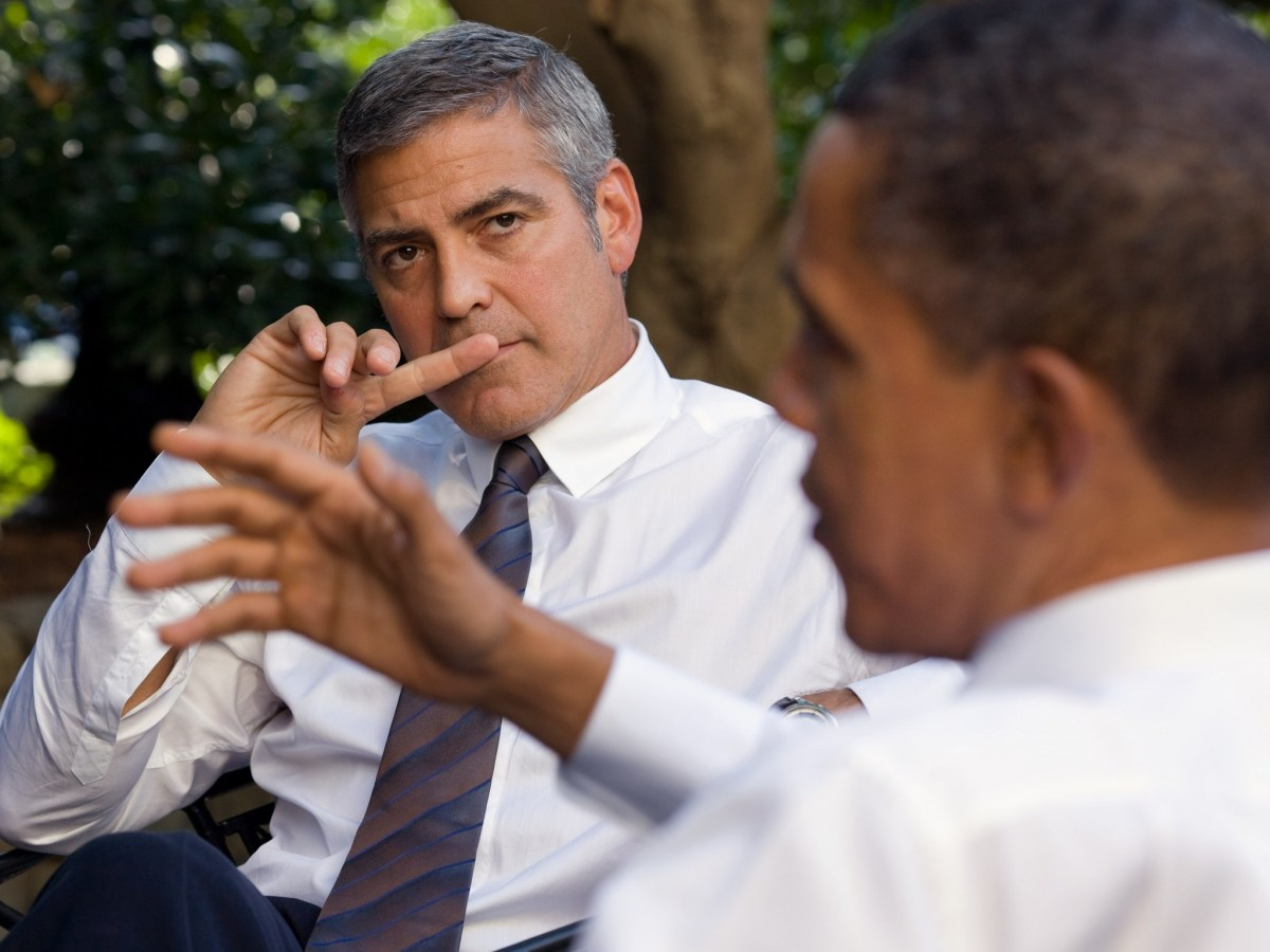 George Clooney discusses South Sudan with US Preisdent Barack Obama. Photo: Pete Souza, White House photographer.