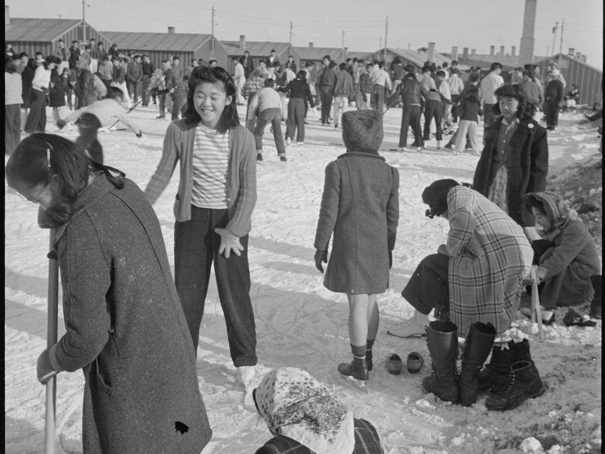 Residents of Japanese ancestry at the Heart Mountain relocation center in Wyoming. Photo: Wikimedia Commons