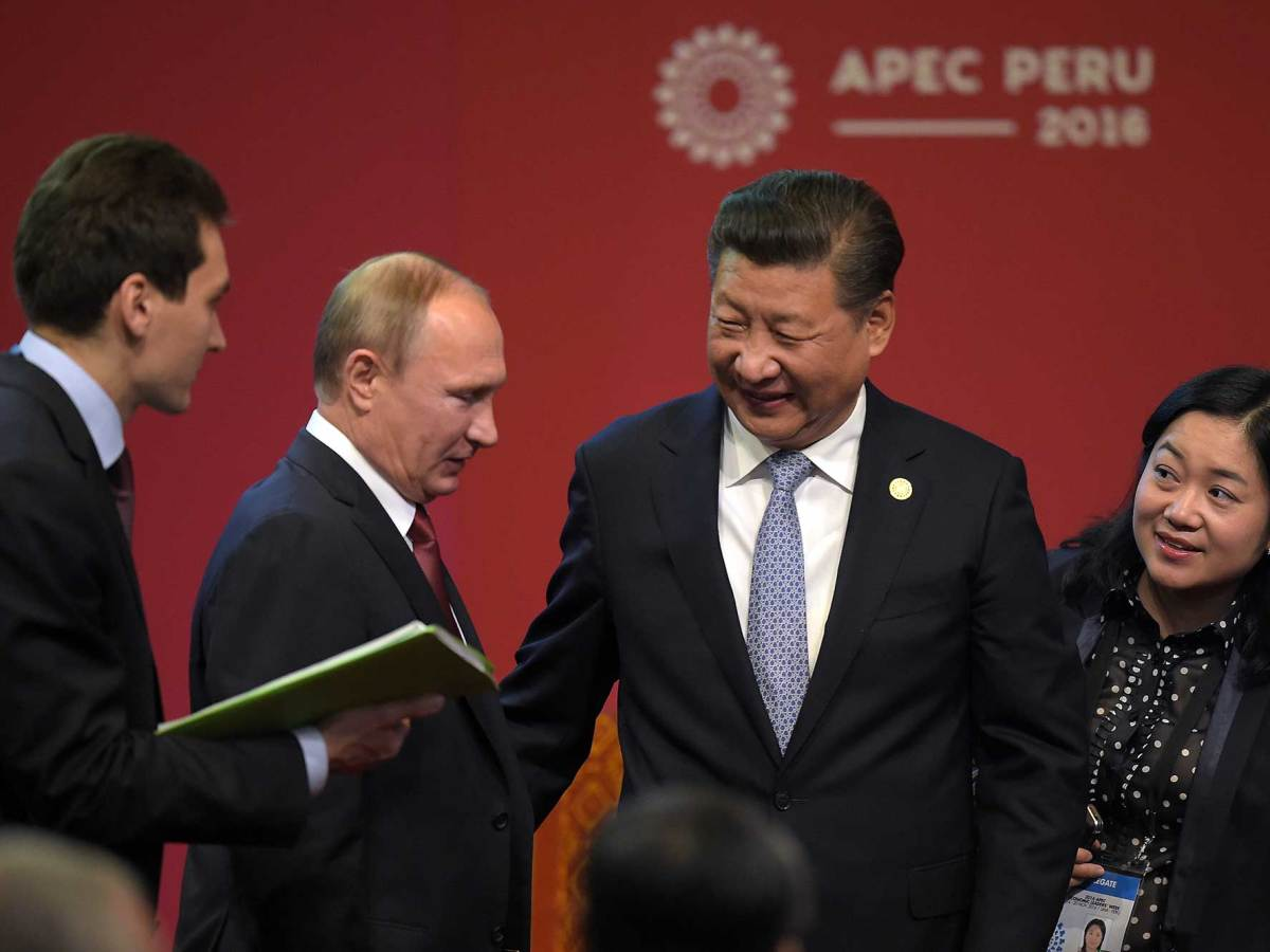 Russian President Vladimir Putin meets China's leader Xi Jinping. Photo: AFP