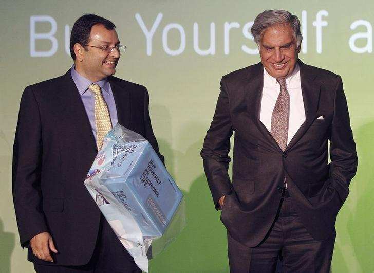 Cyrus Mistry (L) and Ratan Tata pictured in happier days before the former's sacking as chairman of the conglomerate. Photo: Reuters/Vivek Prakash