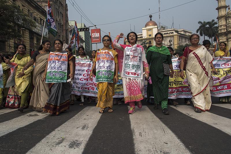 Women protest against demonitization in Kolkata. Photo: AFP / Sushavan Nandy