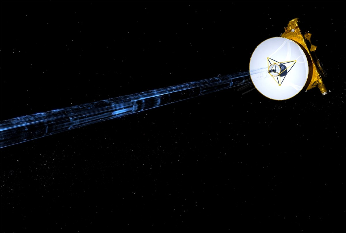 NASA's New Horizons spacecraft is seen transmitting data back to Earth in an undated artist's illustration.  Photo: NASA/Handout via REUTERS