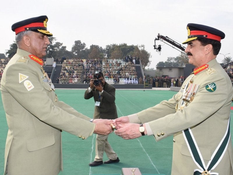 Pakistan's outgoing Army Chief Gen. Raheel Sharif (R) hands over a ceremonial baton to his successor Gen. Qamar Javed Bajwa during the Change of Command ceremony in Rawalpindi, Pakistan, November 29, 2016. Pakistan Inter Services Public Relations (ISPR)/Handout via REUTERS ATTENTION EDITORS - THIS IMAGE WAS PROVIDED BY A THIRD PARTY. EDITORIAL USE ONLY. NO RESALES. NO ARCHIVE
