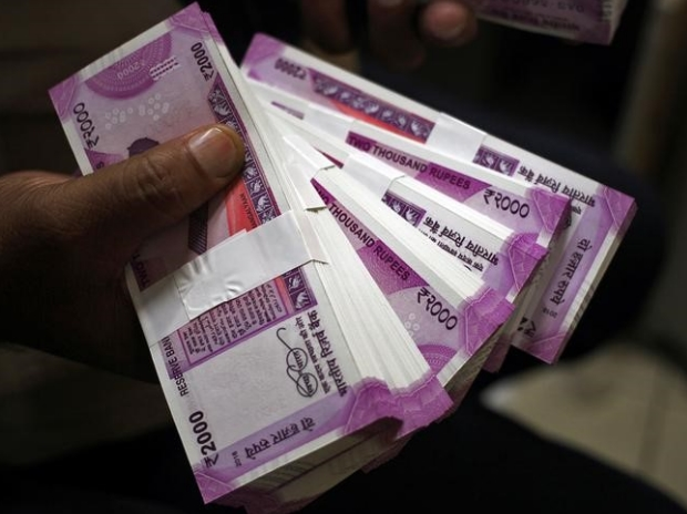 The new 2000 Indian rupee banknotes. Photo/Reuters