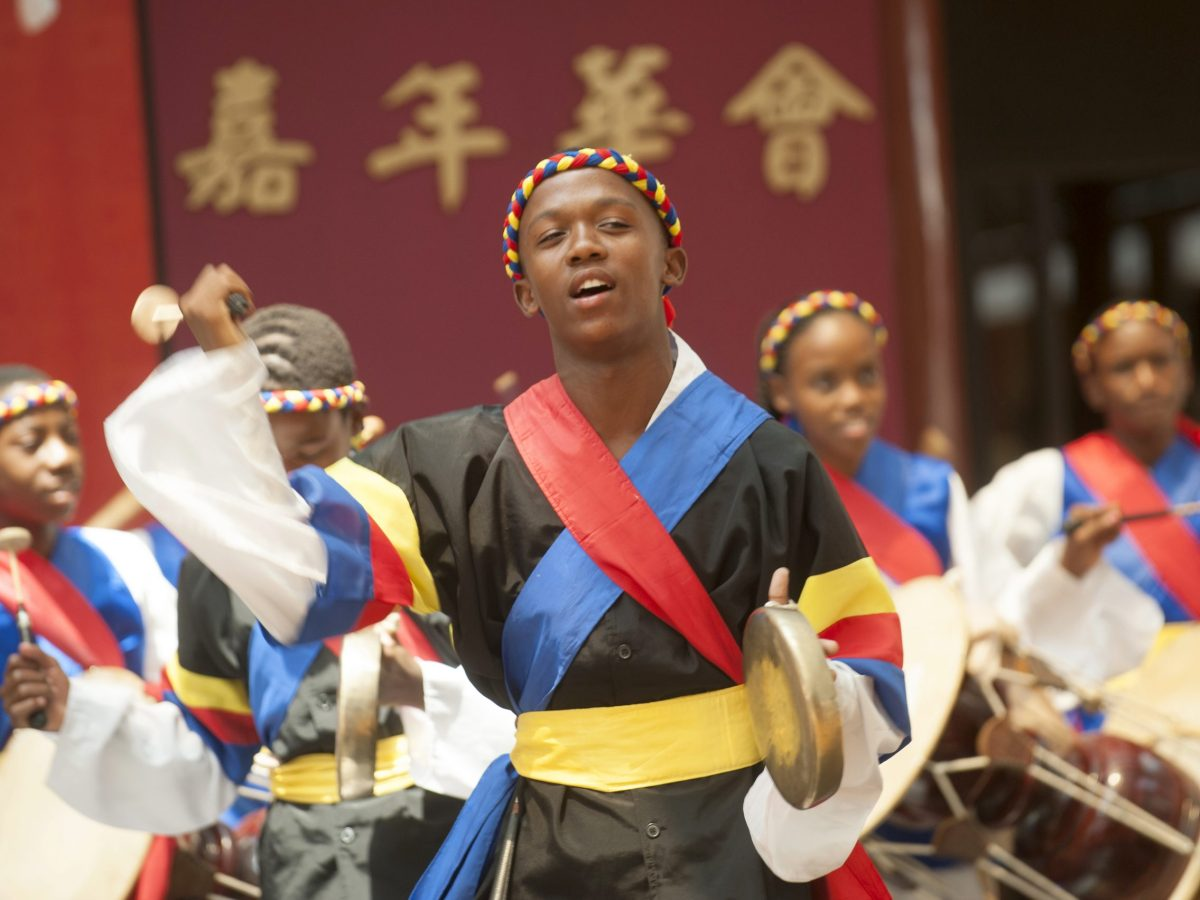 African artists perform at the Nan Hau Temple in Bronkhorstspruit, South Africa, during Chinese New Year celebrations in 2015. Photo: AFP