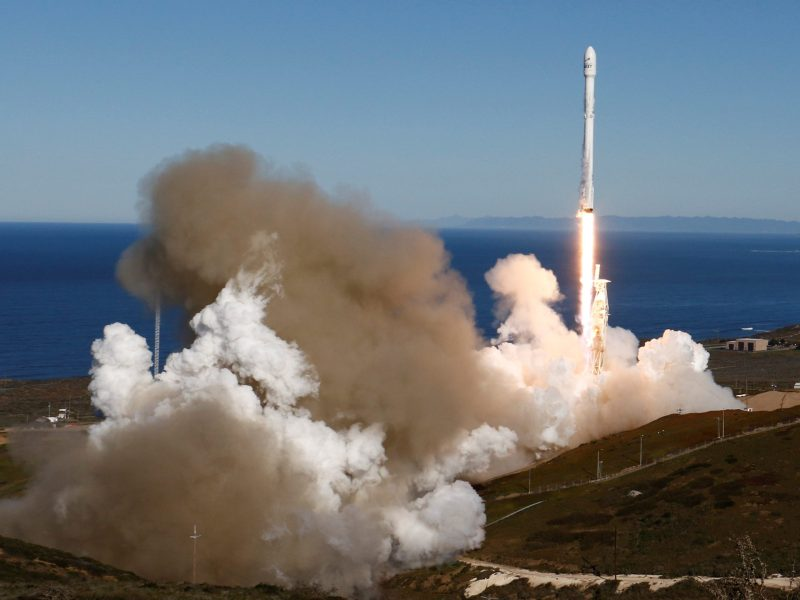 SpaceX Falcon rocket lifts off from Space Launch Complex 4E at Vandenberg Air Force Base, California, U.S., January 14, 2017.  REUTERS/Gene Blevins