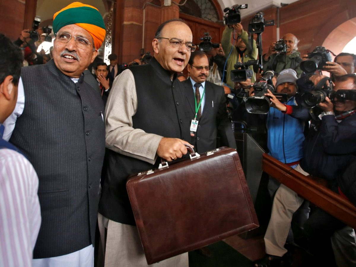 Indian Finance Minister Arun Jaitley (center) arrives at Parliament to present the federal budget, in New Delhi on February 1, 2017. Photo: Reuters / Adnan Abidi