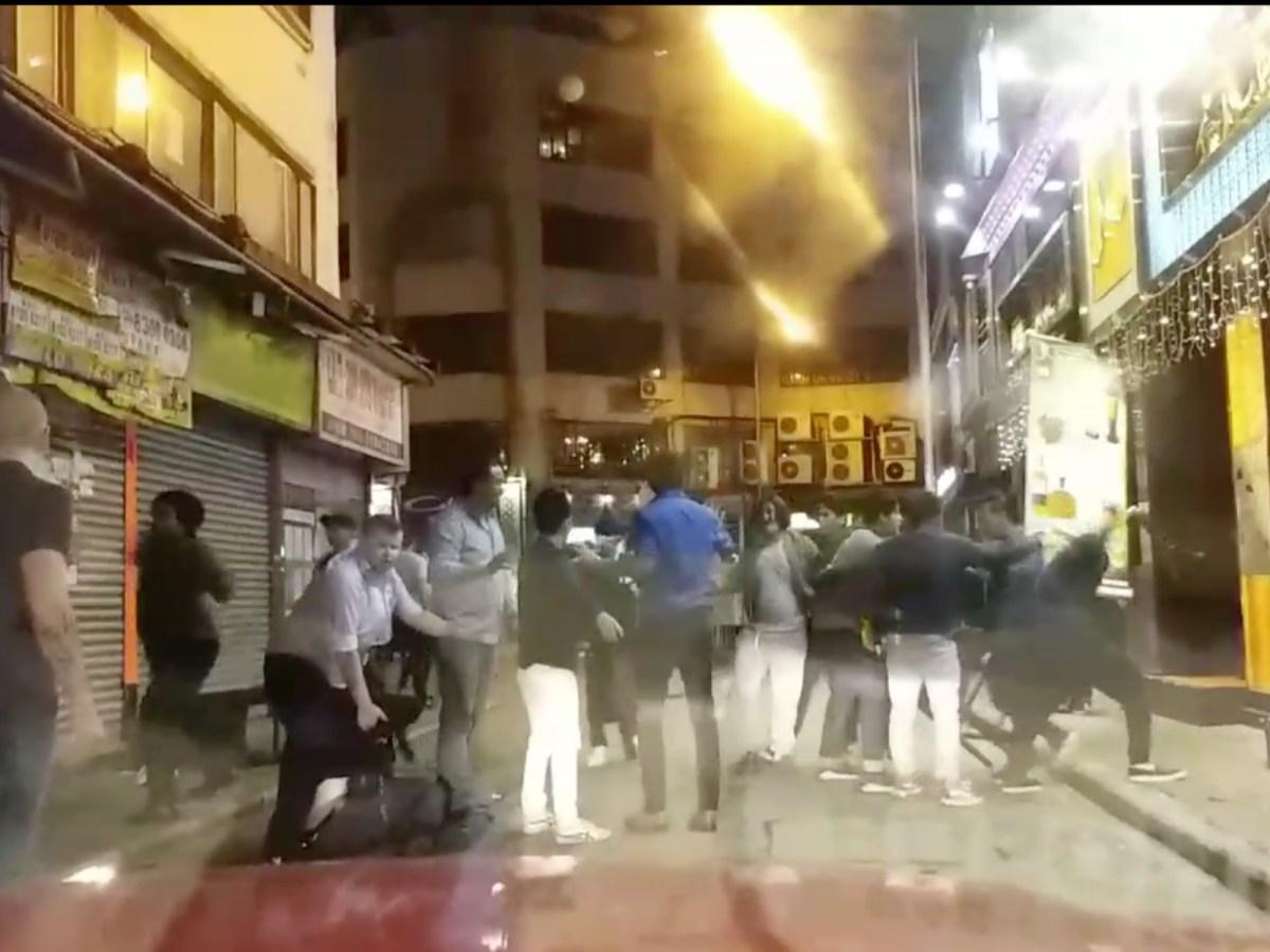A dozen of Nepalese had a fight in Tsim Sha Tsui on Saturday. Photo: Facebook