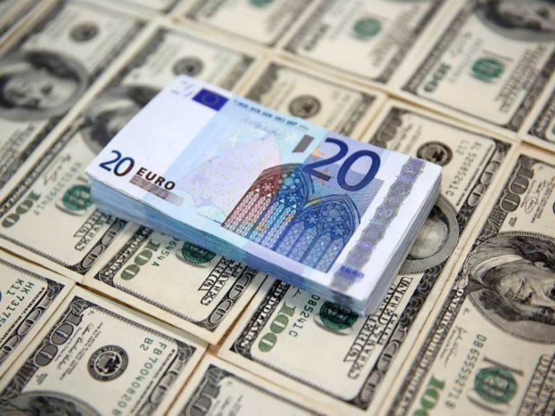 The US dollar is strong against the euro because the Fed has been raising US interest rates. Photo: Dado Ruvic, Reuters