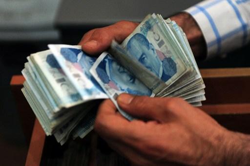 Turkish lira banknotes. Photo: AFP/Ozan Kose