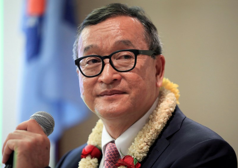 Cambodian opposition leader Sam Rainsy delivers a speech to members of the Cambodia National Rescue Party (CNRP) at a hotel in metro Manila, Philippines. Photo: Reuters/Romeo Ranoco