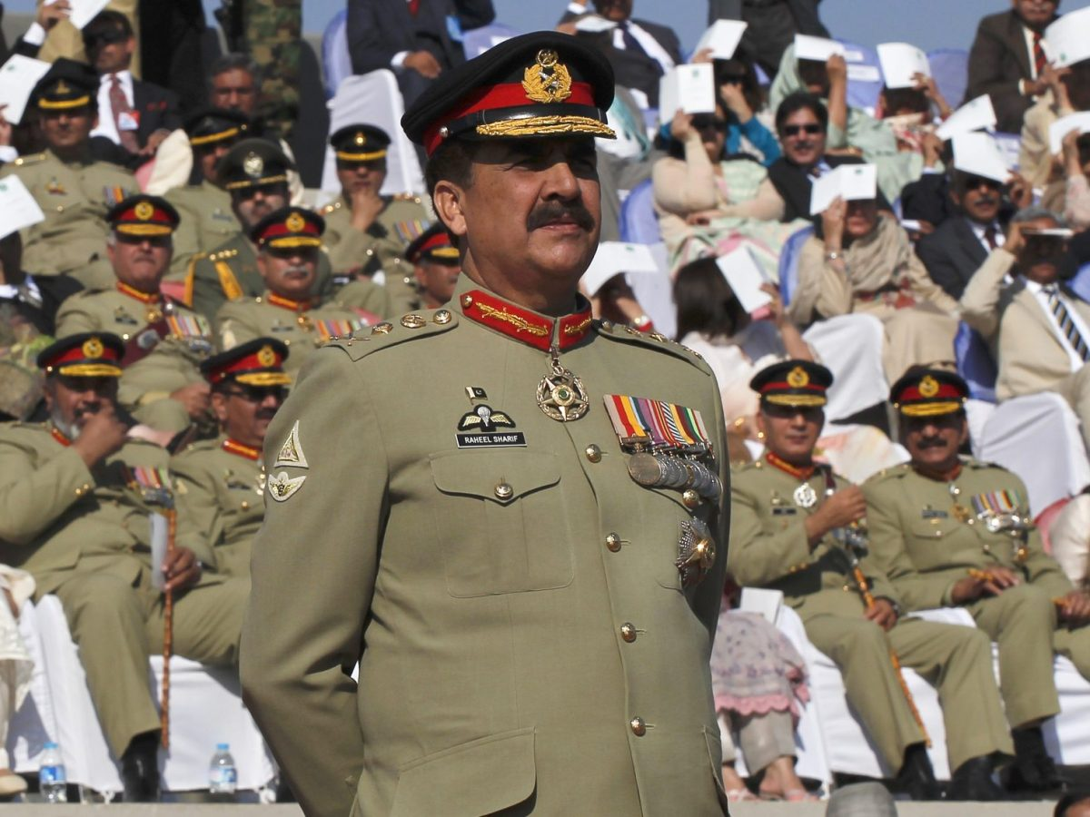 General Raheel Sharif, will head the IMCTC, a Saudi military initiative by Crown Prince MBS. Photo: Reuters / Mian Khursheed (File)