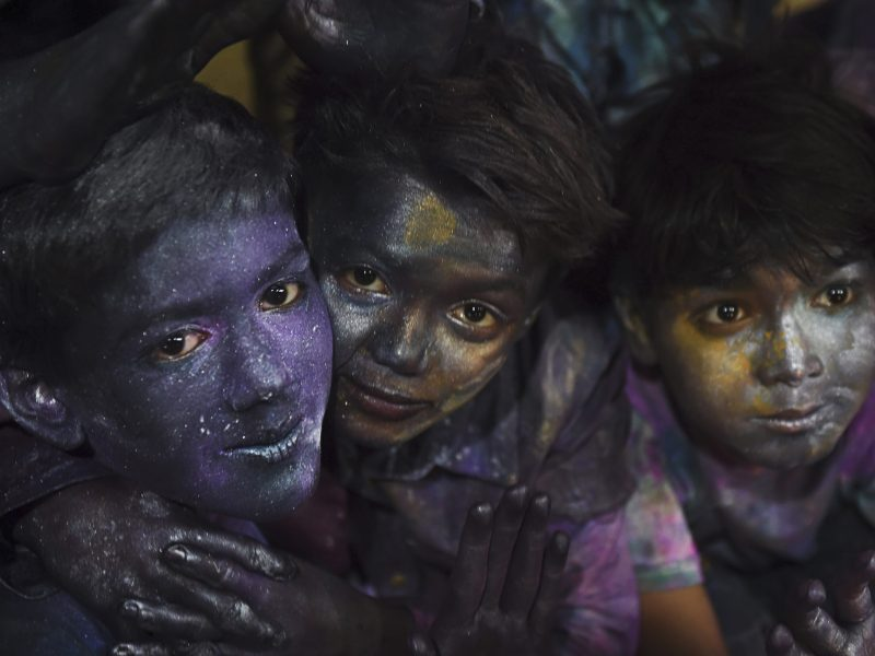 Pakistani Hindu children celebrate holi in Karachi on March 12, 2017. Photo: AFP / Rizwan Tabassum