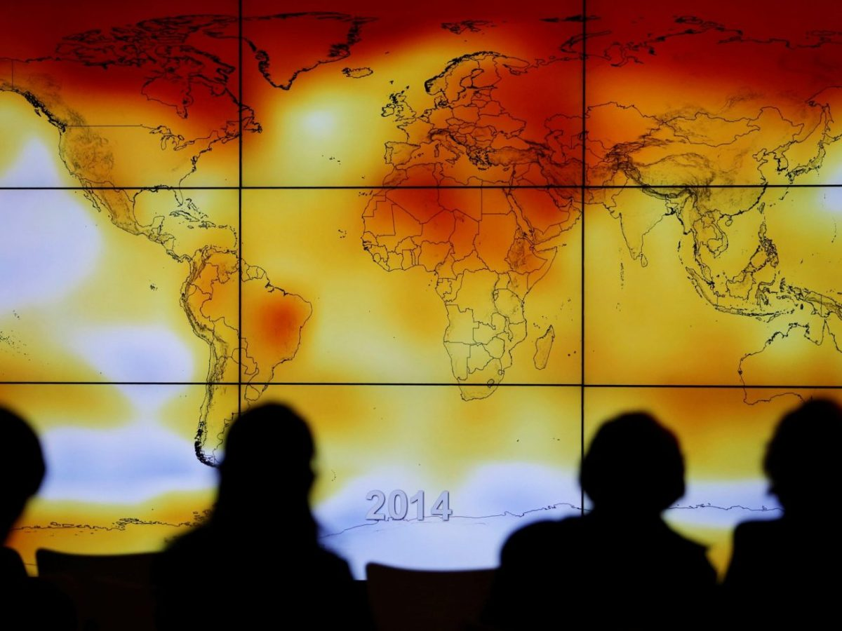A world map with climate anomalies during the World Climate Change Conference 2015. Photo: Reuters/Stephane Mahe