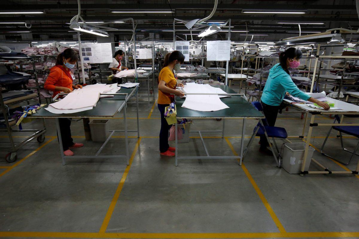 Laborers work at the TAL garment factory in Vinh Phuc province, Vietnam. Photo: Reuters / Kham