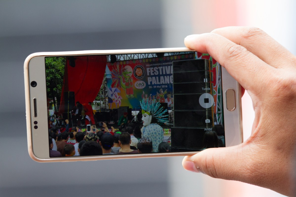 The suspect allegedly filmed the victim with a smartphone. Representational image. Photo: iStock