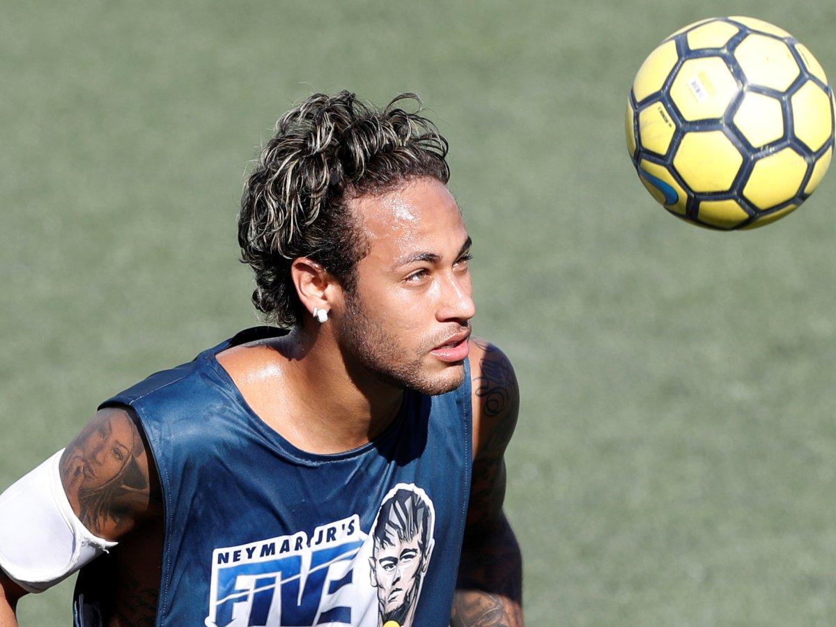 Neymar takes part in a tournament in Santos, Brazil, on July 8, 2017. Photo: Reuters / Leonardo Benassatto