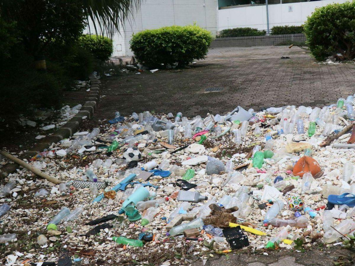 Typhoon Hato strewed trash in Heng Fa Chuen housing estate on Hong Kong Island. Photo: Facebook, N.K. Stanley Ho