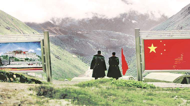 Chinese soldiers are seen along the border with India on the Doklam Plateau. Photo: The New Indian Express