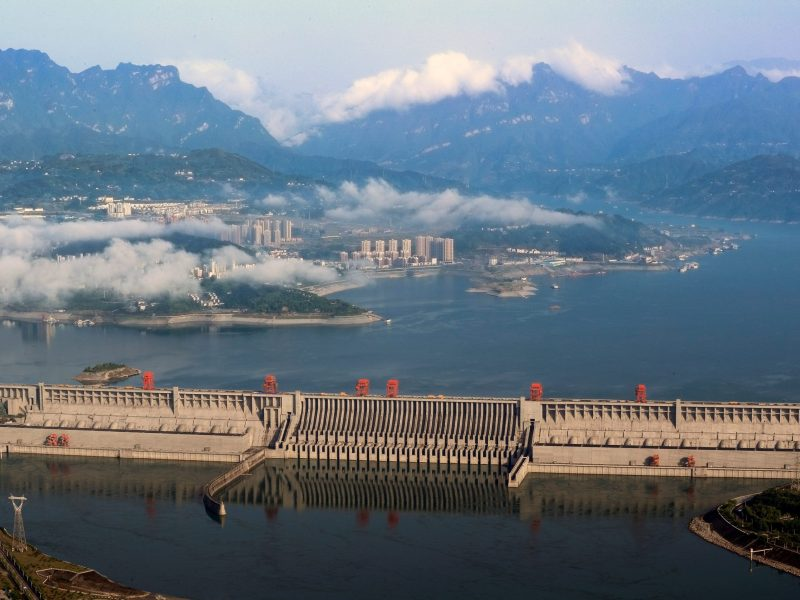 A general view shows the Three Gorges Dam on the Yangtze River in Yichang, Hubei province, China May 4, 2017. Photo: Reuters/Stringer