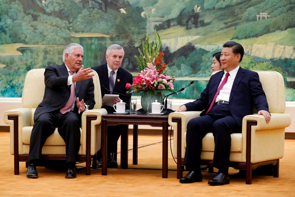 US Secretary of State Rex Tillerson (left) talks with Chinese President Xi Jinping during a meeting at the Great Hall of the People in Beijing on September 30, 2017. Reuters / Andy Wong / Pool