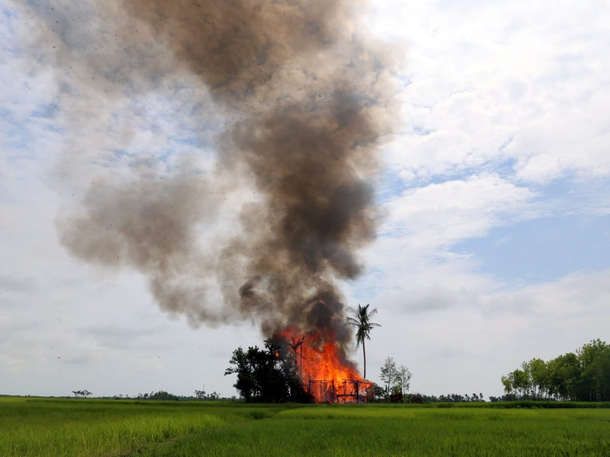 A house is set on fire in Gawduthar village, Maungdaw township, in the north of Rakhine state, Myanmar. Photo: Reuters / Stringer