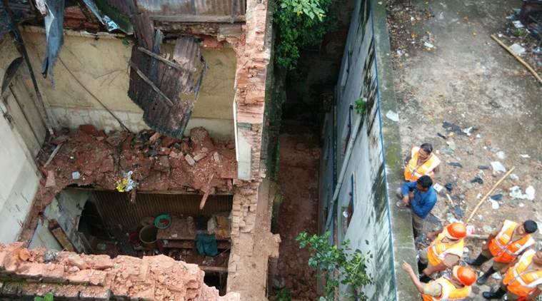 Rescue operations underway at the building collapse site in Kolkata's Burrabazar on Tuesday. Photo: The Indian Express