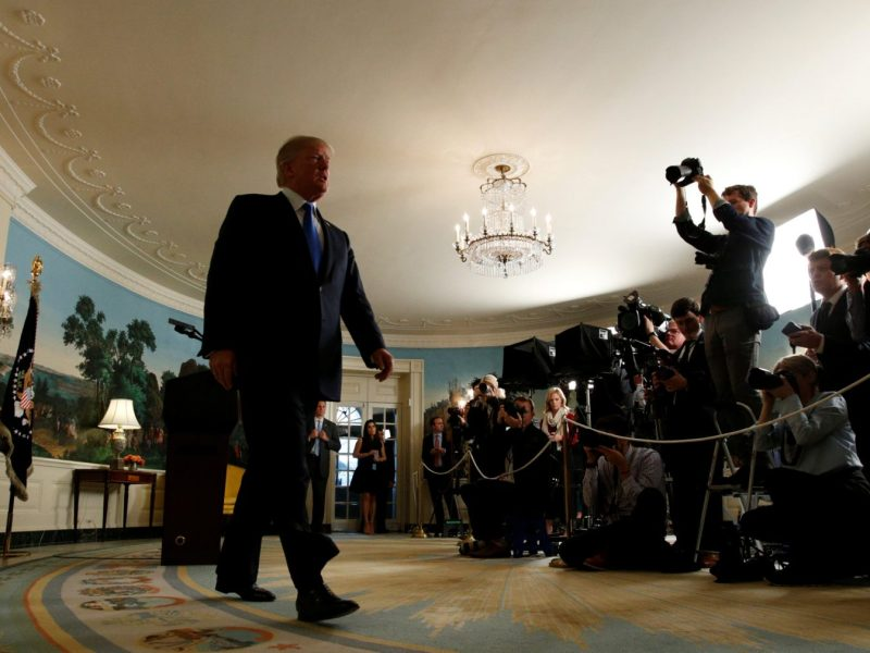 US President Donald Trump walks from the Diplomatic Reception Room at the White House after speaking about the Iran nuclear deal on October 13, 2017. Photo: Reuters / Kevin Lamarque