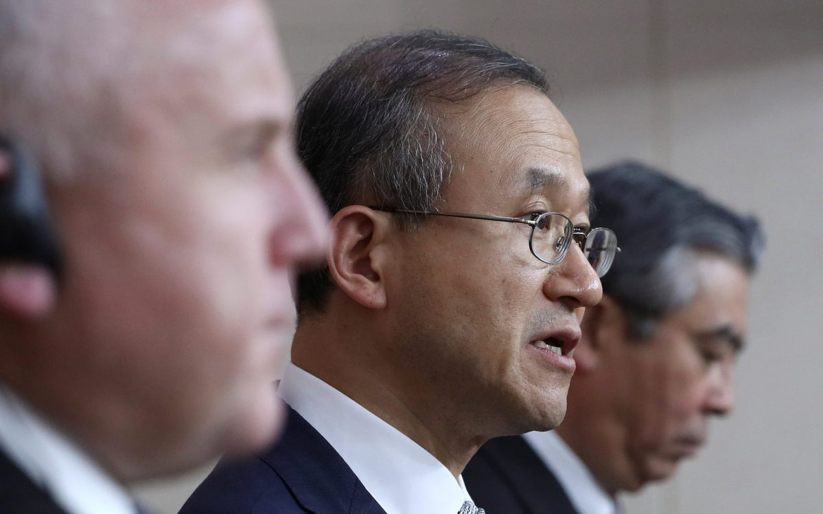 South Korean Vice Foreign Minister Lim Sung-nam (C) answers reporter's question during a news conference in Seoul. Photo: Reuters/Lee Jin-man