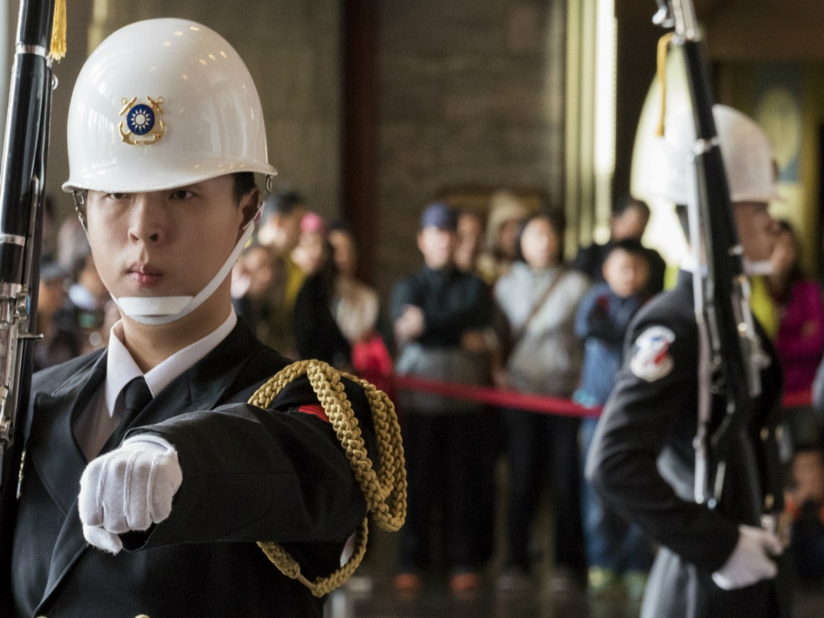 The Taiwanese military now has more enlisted men and women on its payroll, thanks to salaries higher than the island's average. But the pay pales in comparison internationally. Photo: Steve Debenport / Getty Images