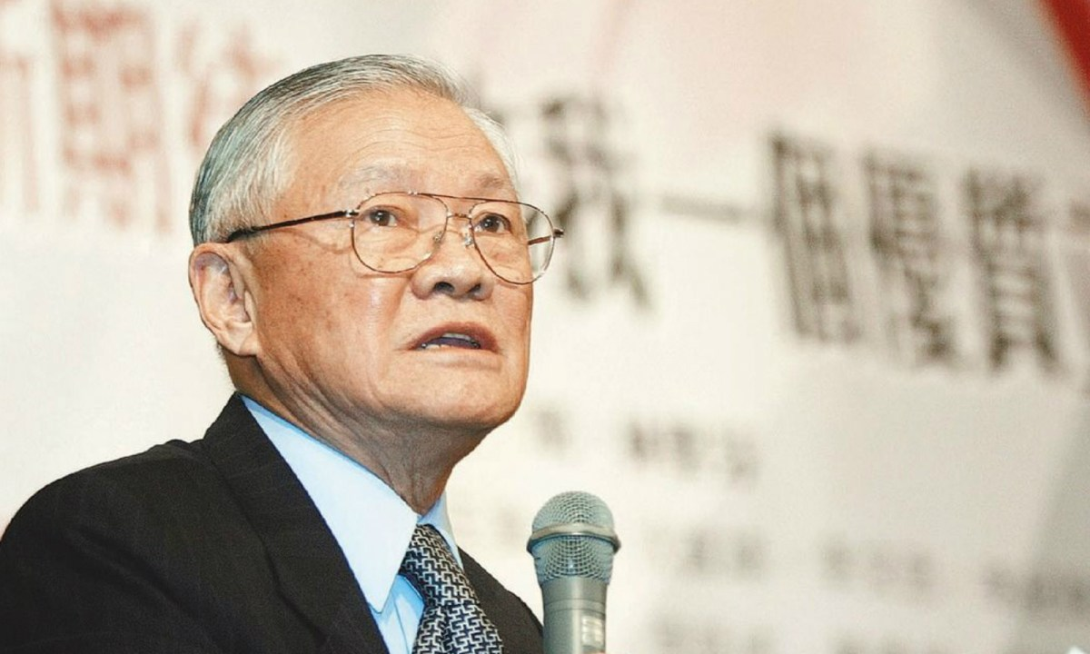 Former Taiwan premier Tang Fei, an airforce commander-turned politician, has urged more confidence and reliance on the island's own defense industry. Photo: Central News Agency