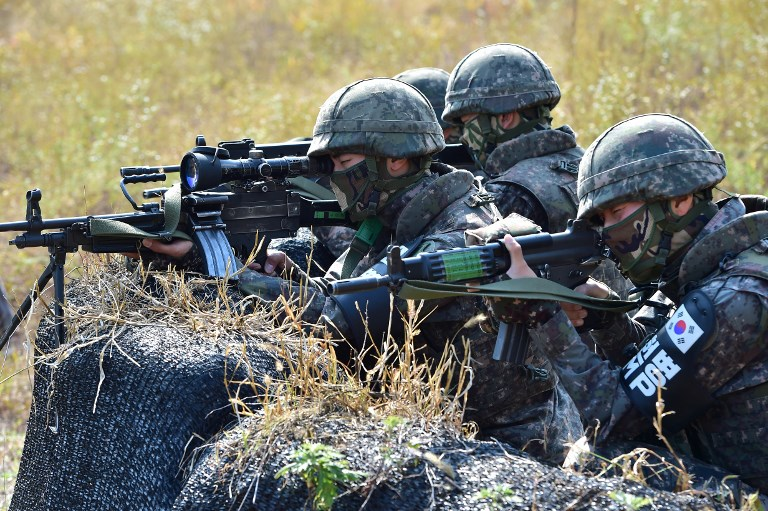 South Korean soldiers near the Demilitarized Zone dividing the two Koreas. Photo: AFP/Jung Yeon-je