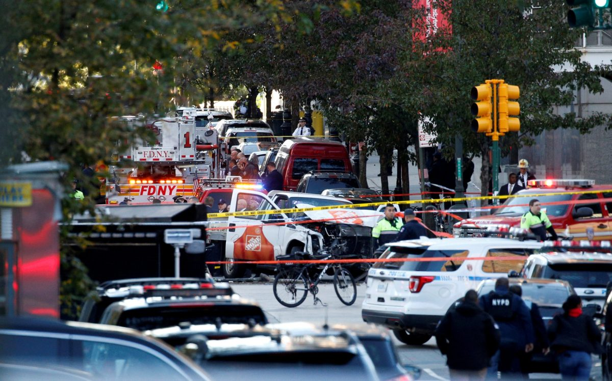 New York city first responders attend the scene of the attack in lower Manhattan after a Home Depot truck struck down multiple people on a bike path, killing several and injuring numerous others, on October 31, 2017. Photo: Reuters / Brendan McDermid