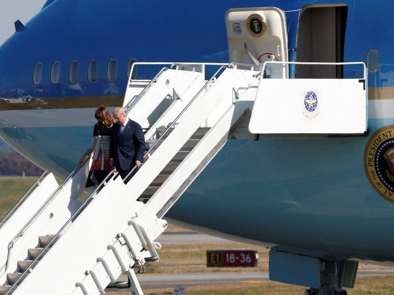 U.S. President Donald Trump and first lady Melania Trump disembark from Air Force One after arriving at US Air Force Yokota Air Base in Fussa, Japan. Photo Reuters/Toru Hanai