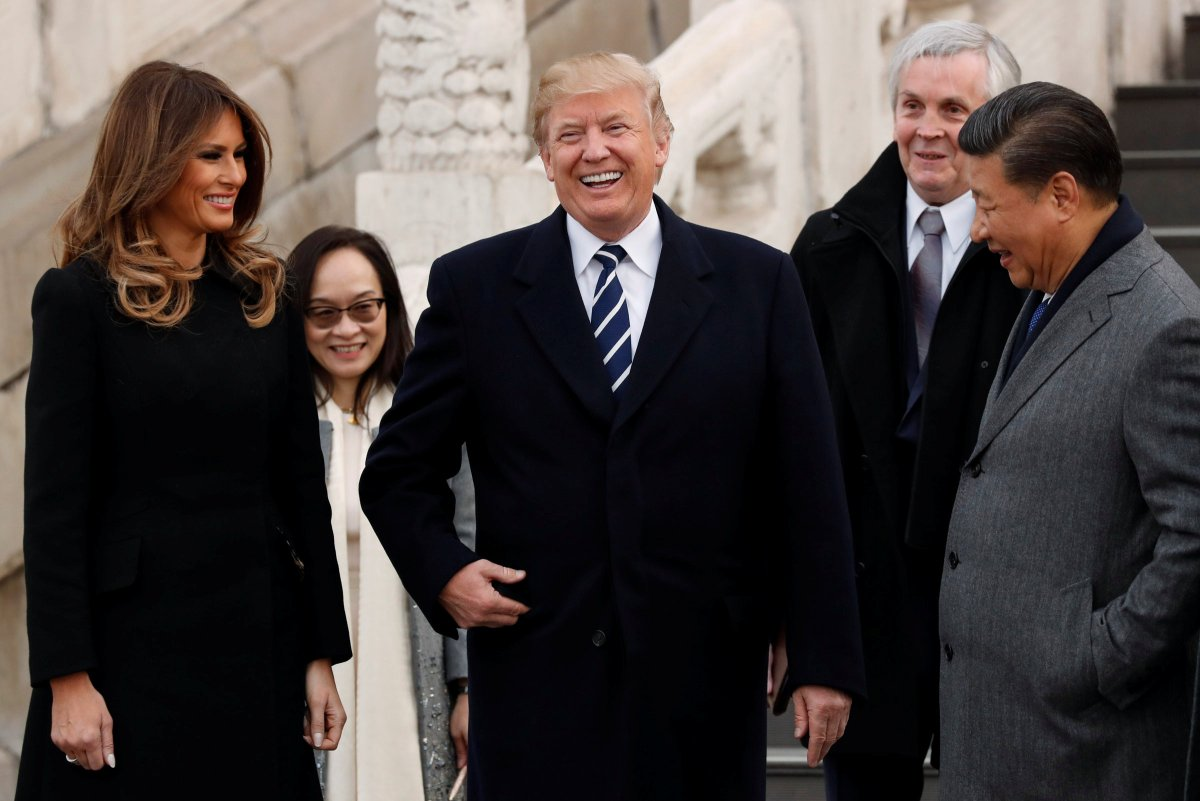 U.S. President Donald Trump and U.S. first lady Melania visit the Forbidden City with China's President Xi Jinping in Beijing, China, November 8, 2017. Photo: Reuters