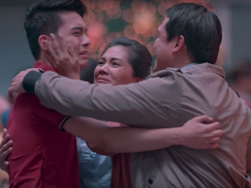 A family reunion scene from the video. Photo: Jollibee Philippines