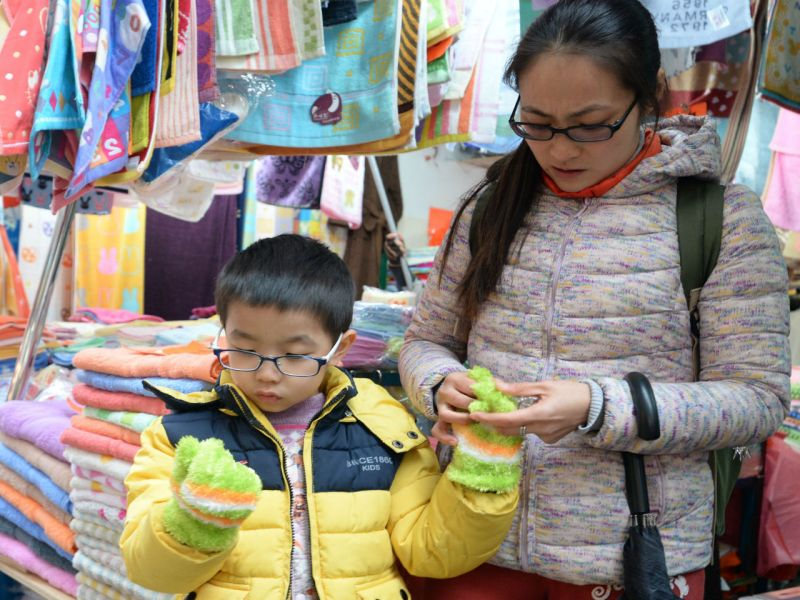 Warm clothes will make New Year's Eve celebrations more pleasant. Photo: Hong Kong Government