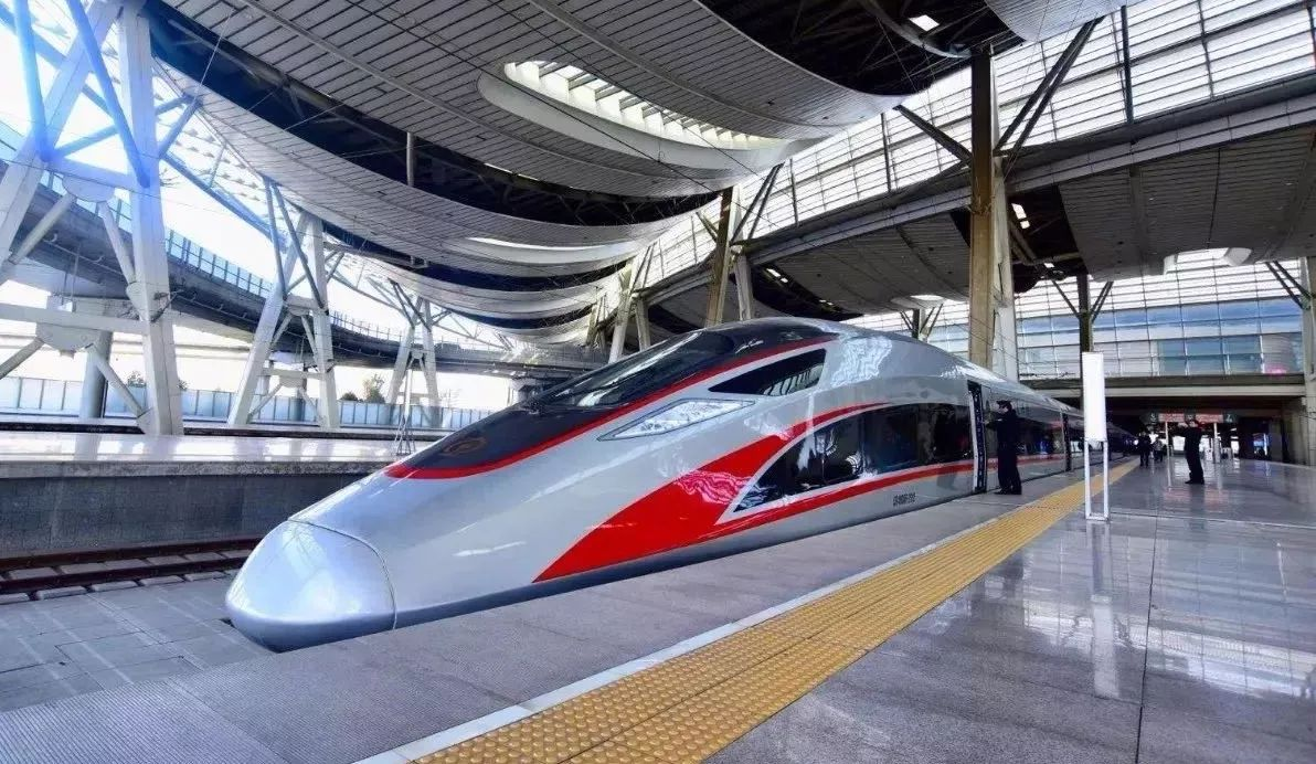 A Fuxing bullet train is parked at a platform. The new series of China's homemade high-speed trains can cruise at 400 kilometres per hour. Photo: Xinhua