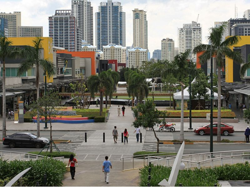 Bonifacio Global City in Taguig, Philippines. Photo: Wikimedia Commons, alveo land