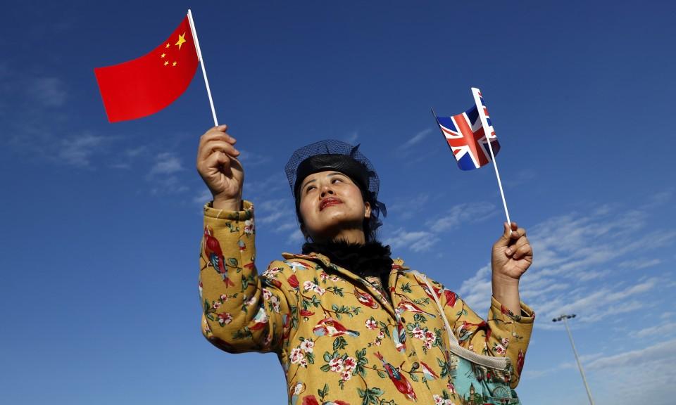 2017年1月18日,一名女子出席欢迎仪式,纪念第一班货运列车从中国前往英国。相片: Reuters / Stefan Wermuth