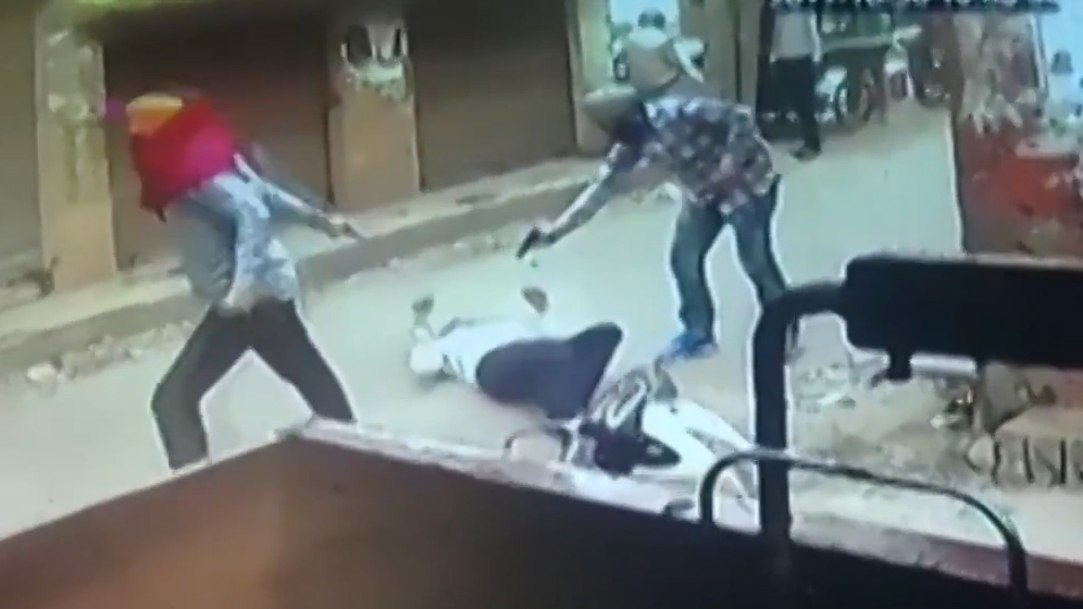 CCTV footage shows Hindu Sangharsh Sena leader Vipan Sharma, 45, being shot dead in Amritsar on October 30, 2017. Photo: via YouTube