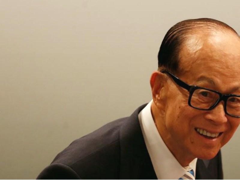 Tycoon Li Ka-shing at a news conference in Hong Kong. Photo: Reuters / Bobby Yip
