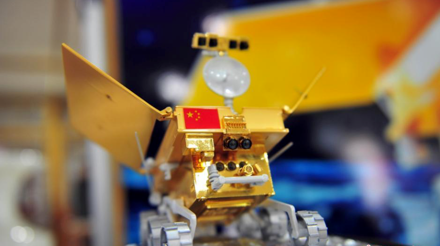 A model of China's lunar rover for unmanned explorations. Photo: China News Service